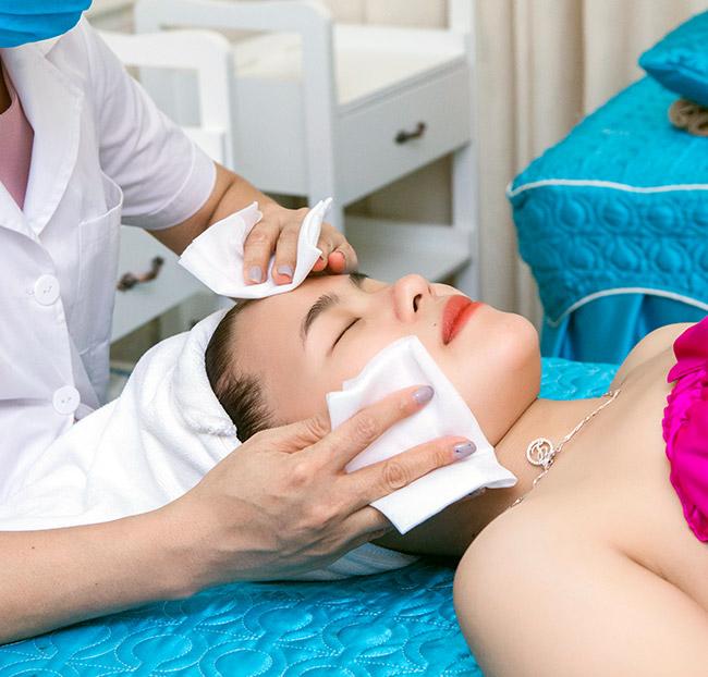 Chăm sóc da và điều trị da chuyện sâu